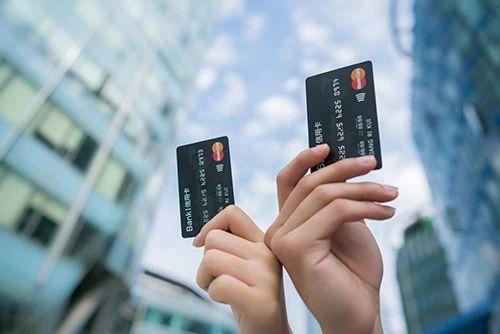 信用卡逾期多久会上征信?原来银行早有预谋