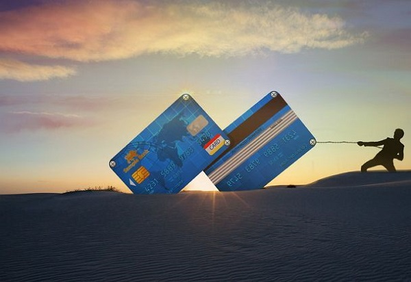 信用卡不按时还款会怎么样及有什么后果?后悔没及时还款了!