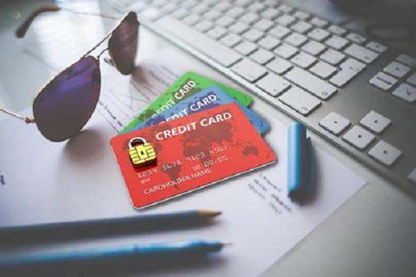 信用卡提交虚假资料会怎么样及有什么后果?三思过后再行动!